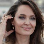 Анджелина Джоли поговорила со Светланой Алексиевич о ситуации в Белоруссии